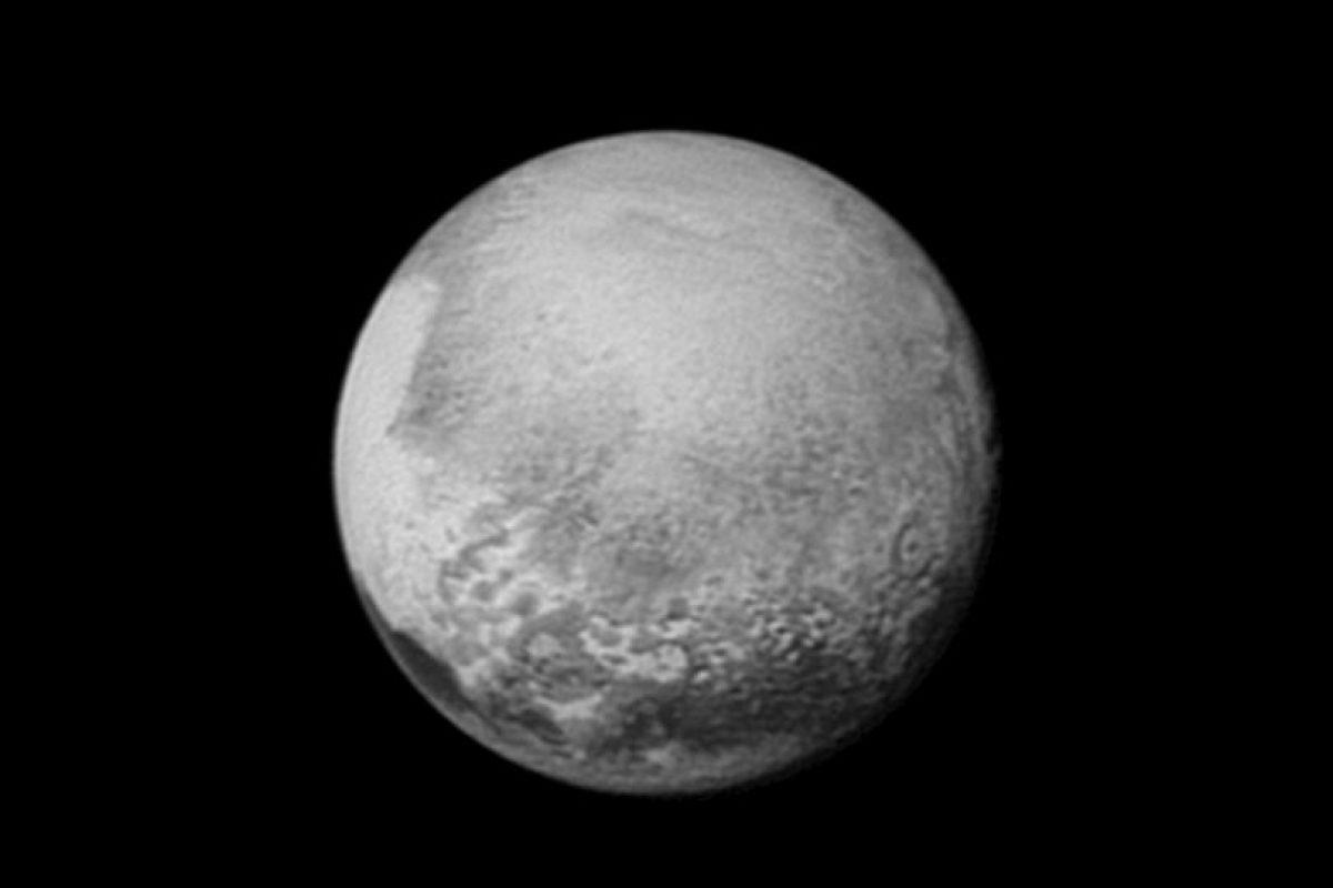 2. También dio a conocer nuevos datos que descubrieron del planeta enano. Foto:AFP. Imagen Por: