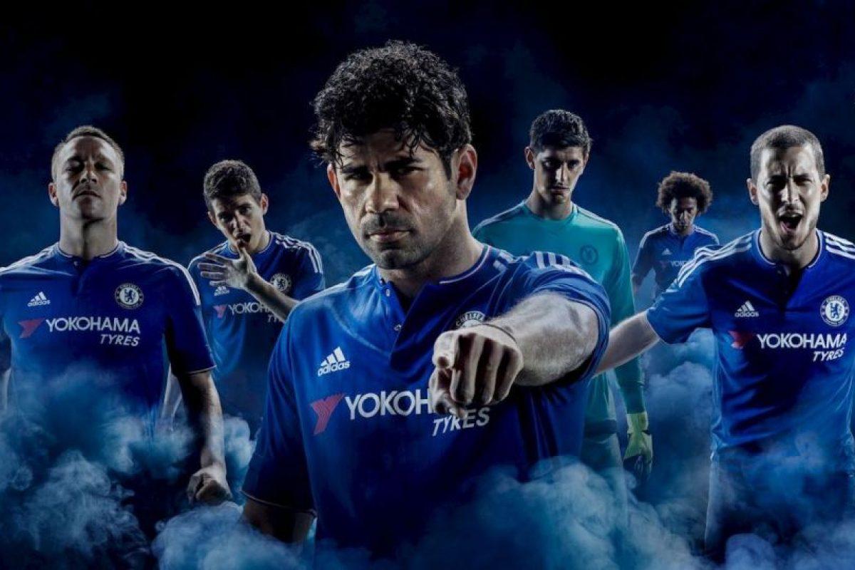 Los campeones de la Premier League presentaron su uniforme para la temporada 2015-2016. Foto:chelseafc.com. Imagen Por: