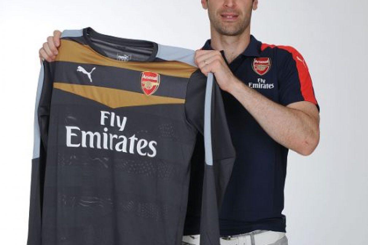 El arquero checo dejó Chelsea a los 33 años de edad y es nuevo jugador del Arsenal. Foto:Getty Images. Imagen Por: