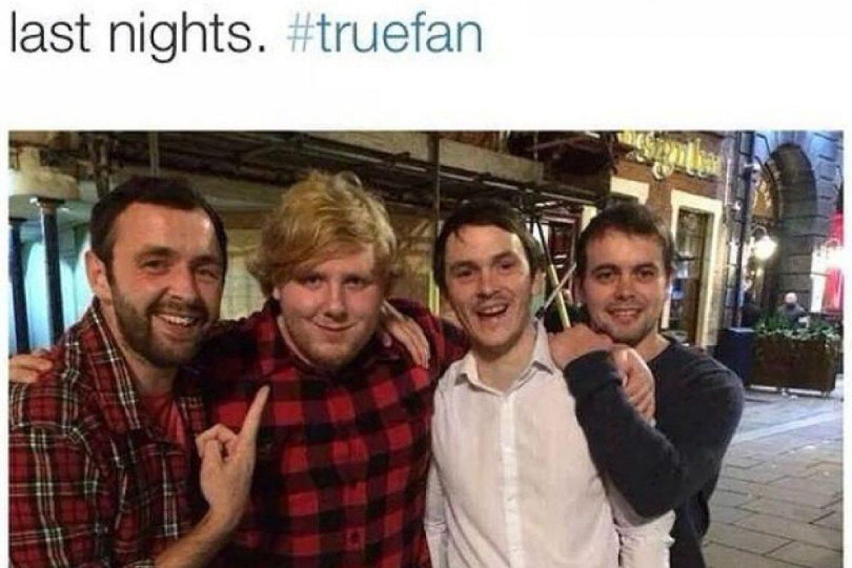Ellos se encontraron a Ed Sheeran y se confesaron fieles seguidores Foto:vía collegehumor.com. Imagen Por: