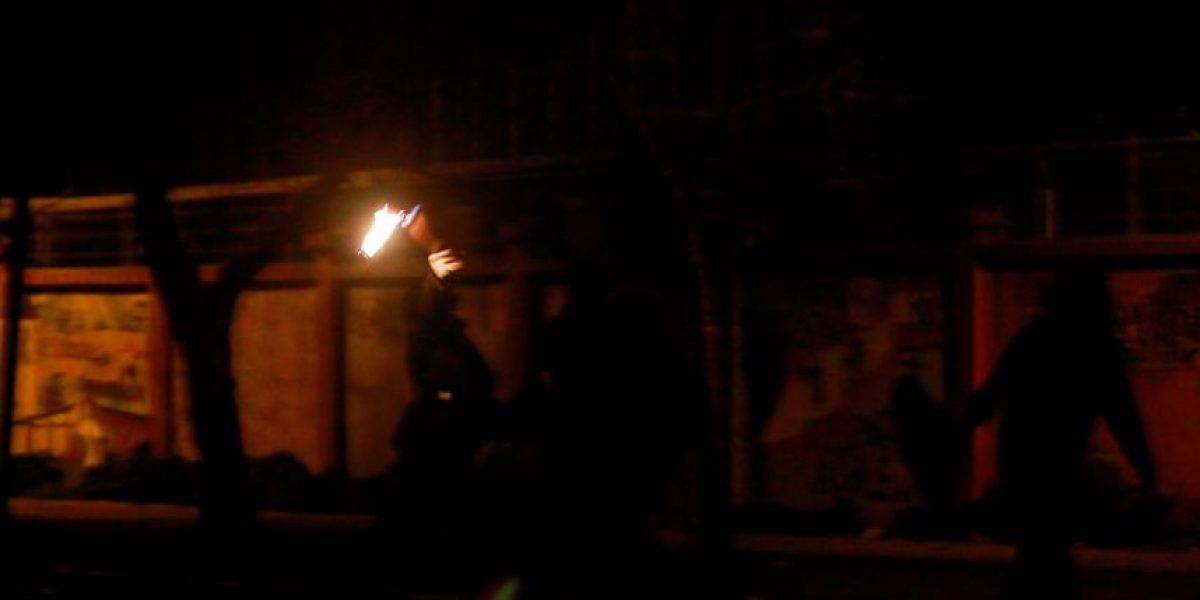 Carabinero fue quemado con ácido tras incidentes en la U. de Chile