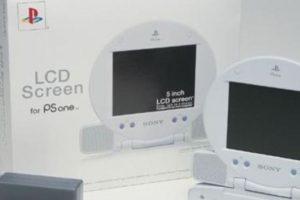 PSOne con pantalla LCD (2000). Foto:Sony. Imagen Por: