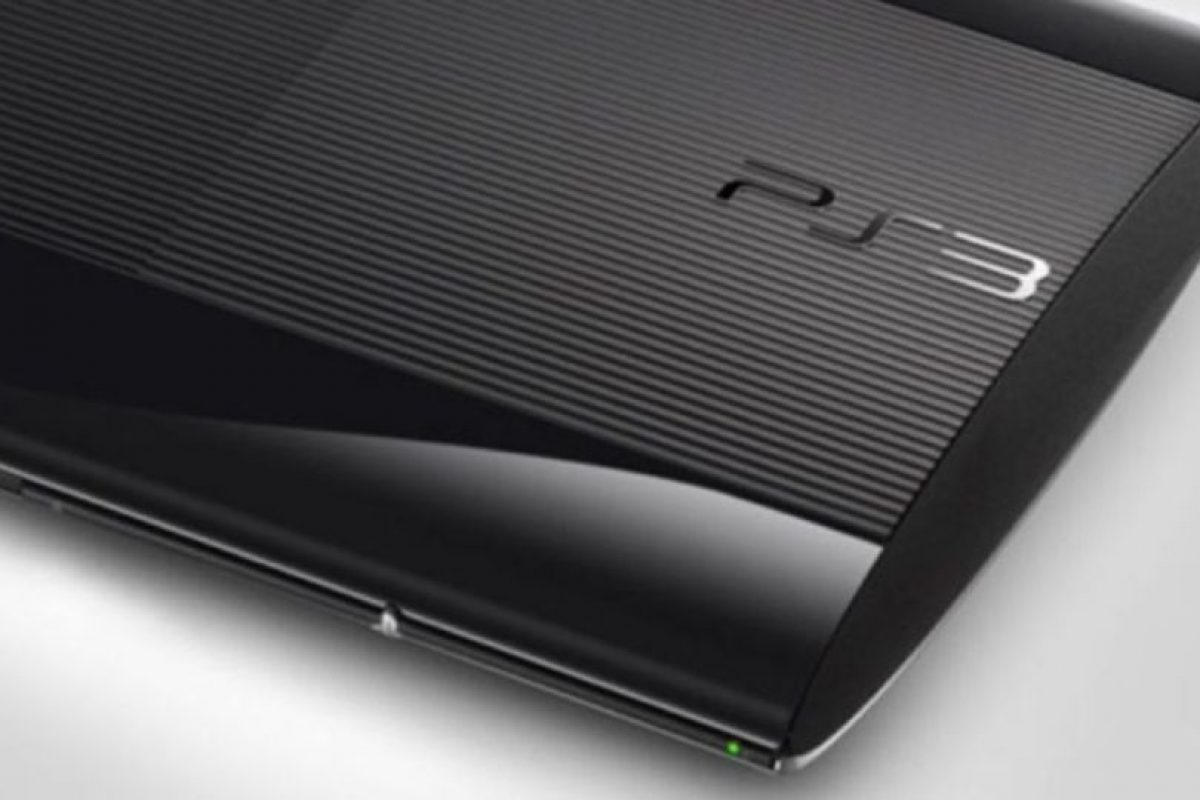 PlayStation 3 Slim (2009). Foto:Sony. Imagen Por: