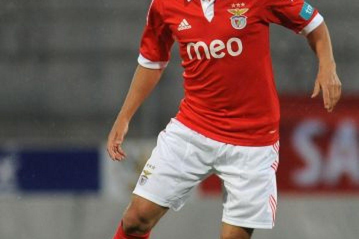 Jugó en Valencia y Zaragoza de España, Benfica de Portugal y Johor Darul Takzim de Malasia Foto:Getty Images. Imagen Por: