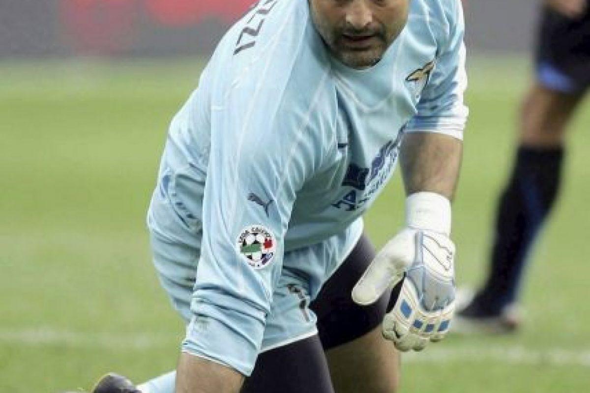 Tras pasar gran parte de su carrera en la Juventus y un año más en el Inter de Milán, Lazio apostó por él en el 2000, cuando tenía 30 años. Foto:Getty Images. Imagen Por: