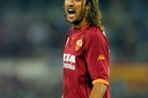 """Con 31 años, """"Batigol"""" dejó la Fiorentina y fichó por la Roma, con los que ganó el """"Scudetto"""" y colaboró marcando 28 goles. Foto:Getty Images. Imagen Por:"""