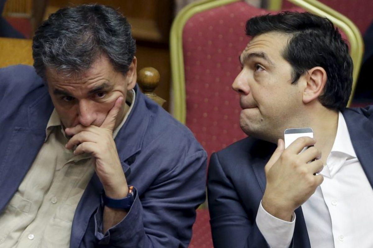 Ahora, Tsipras enfrenta severas críticas por haber aceptado peores condiciones que las impuestas anteriormente. Foto:AP. Imagen Por: