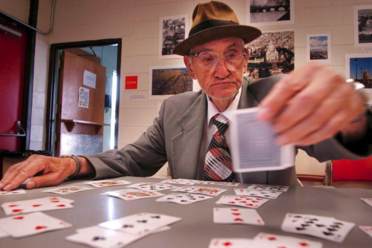 El solitario es un juego de naipes o cartas, muy popular en todo el mundo Foto:Getty Images. Imagen Por: