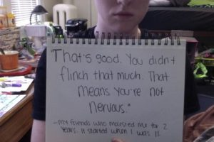 """""""Eso está bien. No te inmutaste mucho. Eso significa que no estás nerviosa"""". Mi amigo mme molestó por 2 años. Comenzó cuando tenía 11 años. Foto:vía Project Unbreakable.org. Imagen Por:"""