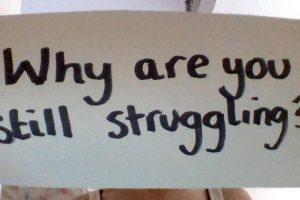"""""""¿Por qué estás todavía luchando?"""" Foto:vía Project Unbreakable.org. Imagen Por:"""