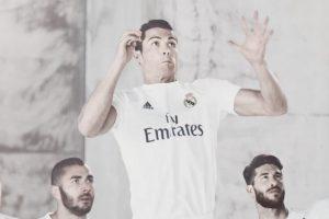 Real Madrid también ya presentó su nuevo uniforme. Foto:realmadrid.com. Imagen Por: