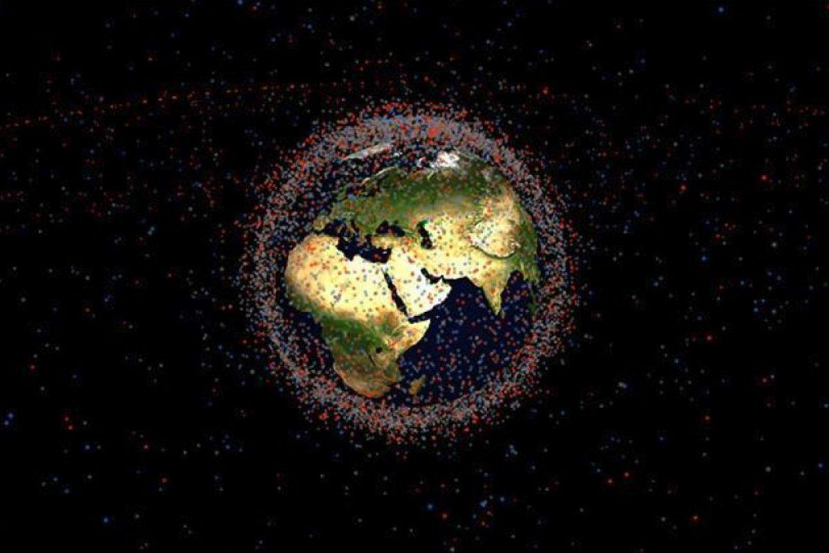 """Claude Nicollier, astronauta de la Agencia Espacial Europea, dijo que: """"Ya va siendo hora de aplicar las medidas correspondientes para reducir la cantidad de desechos en la órbita"""" Foto:NASA. Imagen Por:"""