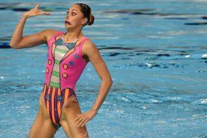 Integrante del equipo de nado sincronizado de México durante los Juegos Panamericanos 2015 en Canadá. Foto:AFP. Imagen Por: