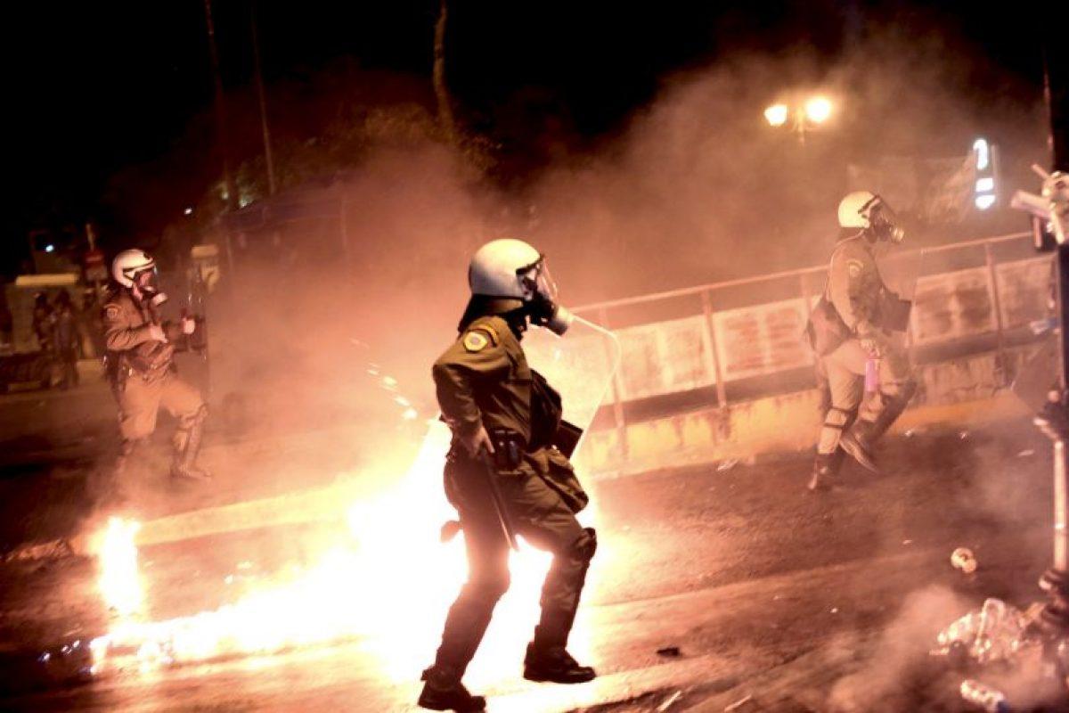 Disturbios en Atenas, Grecia tras la aprobación del plan de rescate. Foto:AFP. Imagen Por: