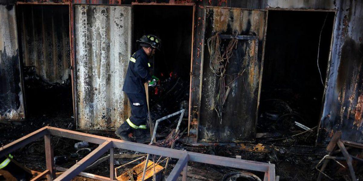 Incendio destruye fábrica de Pallets en Pudahuel