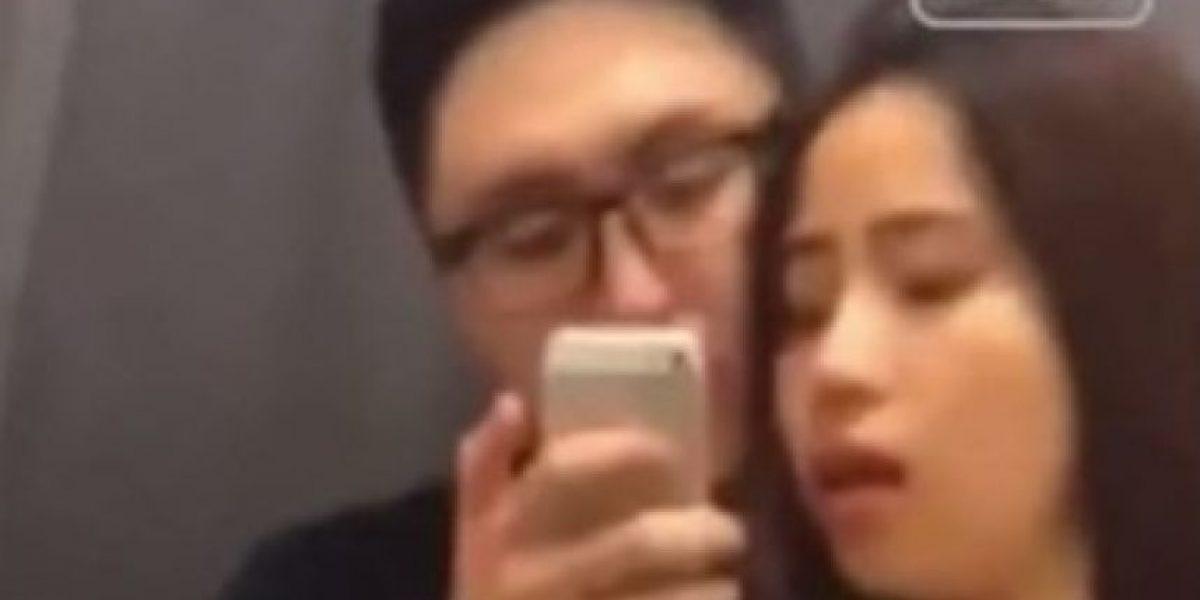 Policía china busca a pareja que grabó video porno en probador de tienda