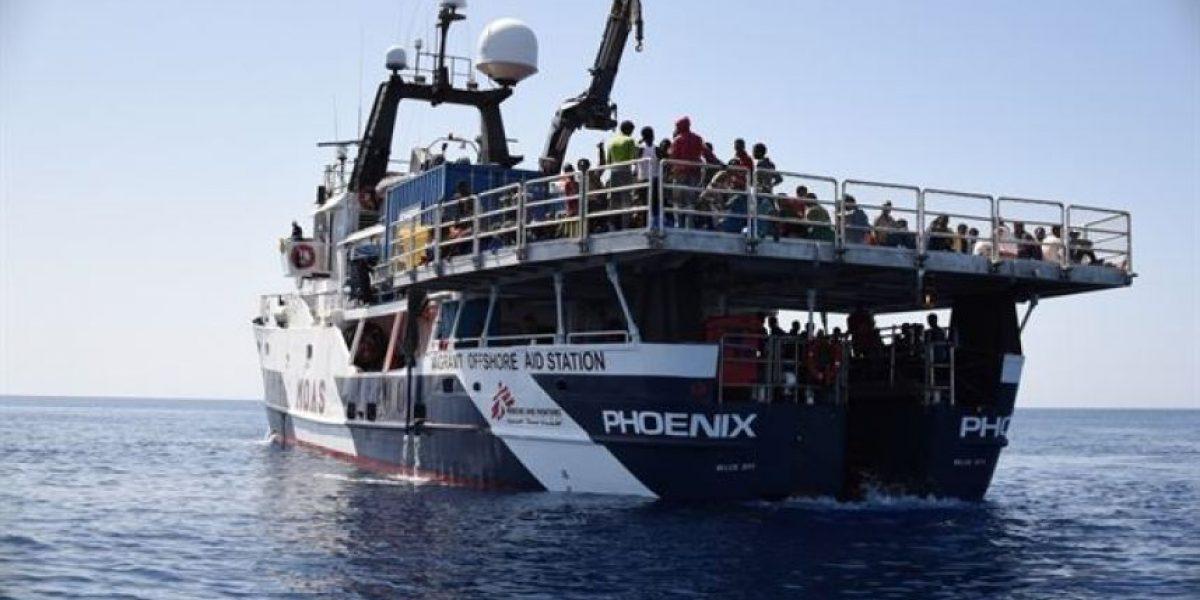 Italia niega el desembarco a una nave de MSF con 700 inmigrantes en Sicilia