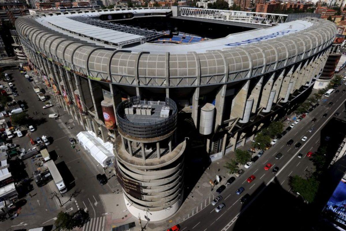 """En 2007 recibió la máxima distinción de la UEFA, la de un """"estadio élite"""" y durante toda su historia ha sido testigo del ascenso del Real Madrid hasta convertirse en uno de los mejores clubes del mundo. Foto:Getty Images. Imagen Por:"""