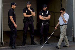 Practicando fútbol le robaron su mochila, como no pudo ver quién fue la policía no lo tomó en cuenta. Foto:Getty Images. Imagen Por: