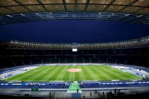 Combina la historia reciente de Alemania con modernidad. Fue construido para los Juegos Olímpicos de 1936, cuando Adolf Hitler gobernaba el país teutón y albergó la final del Mundial de 2006. Foto:Getty Images. Imagen Por: