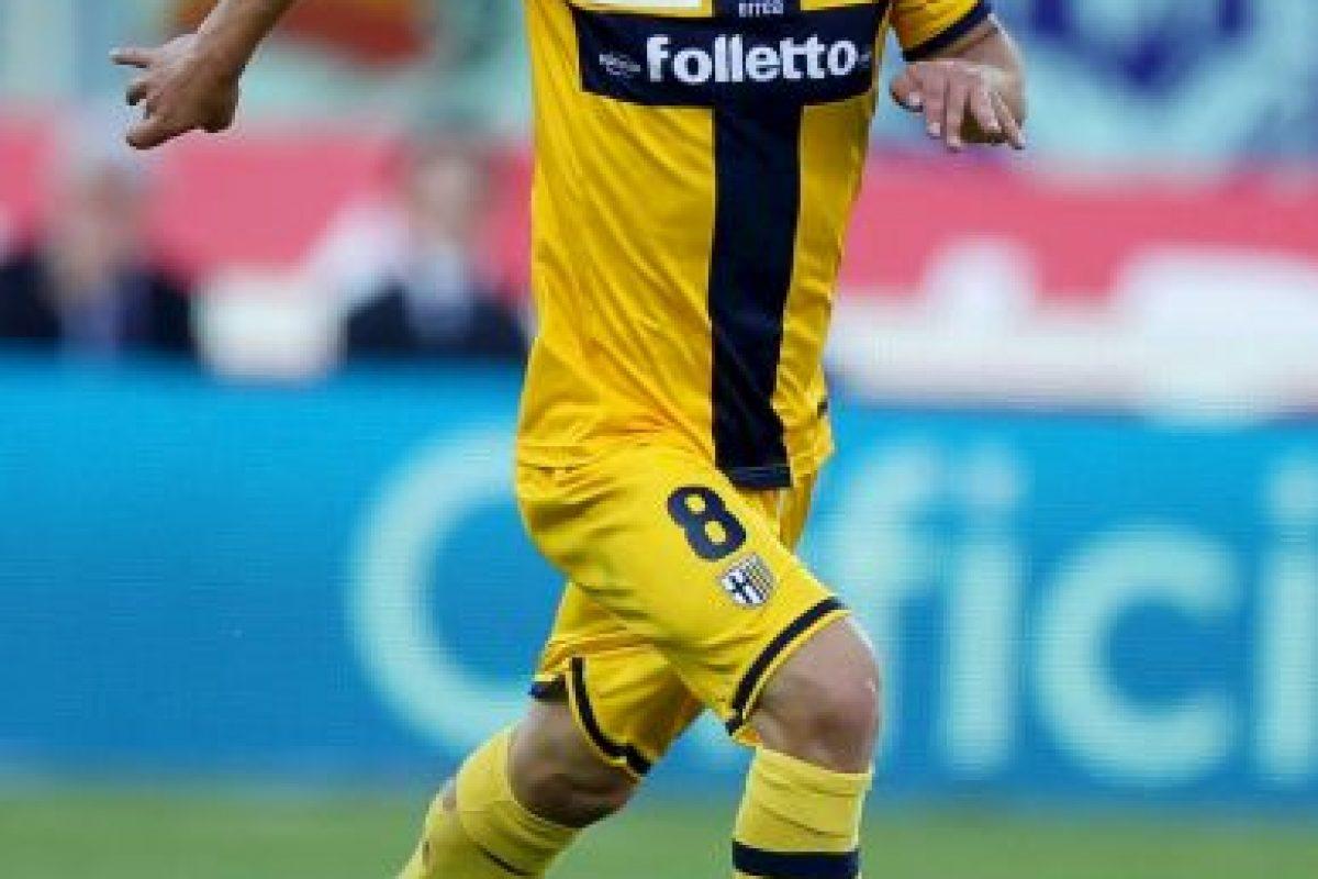 Pero fue adquirido por el club lombardo, luego de que Parma se declarara en quiebra Foto:Getty Images. Imagen Por: