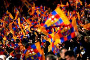 """Es el recinto más grande de España y también fue considerado """"estadio élite"""" por la UEFA. Suele estar lleno de color y pasión durante los juegos del Barcelona y también han hecho espectaculares mosaicos en él. Foto:Getty Images. Imagen Por:"""