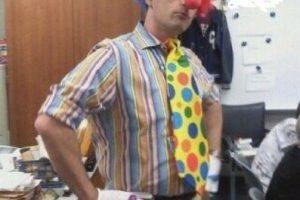 """Un alumno de este profesor dijo que los gays eran """"payasos"""". Y él hizo esto. Foto:vía Imgur. Imagen Por:"""