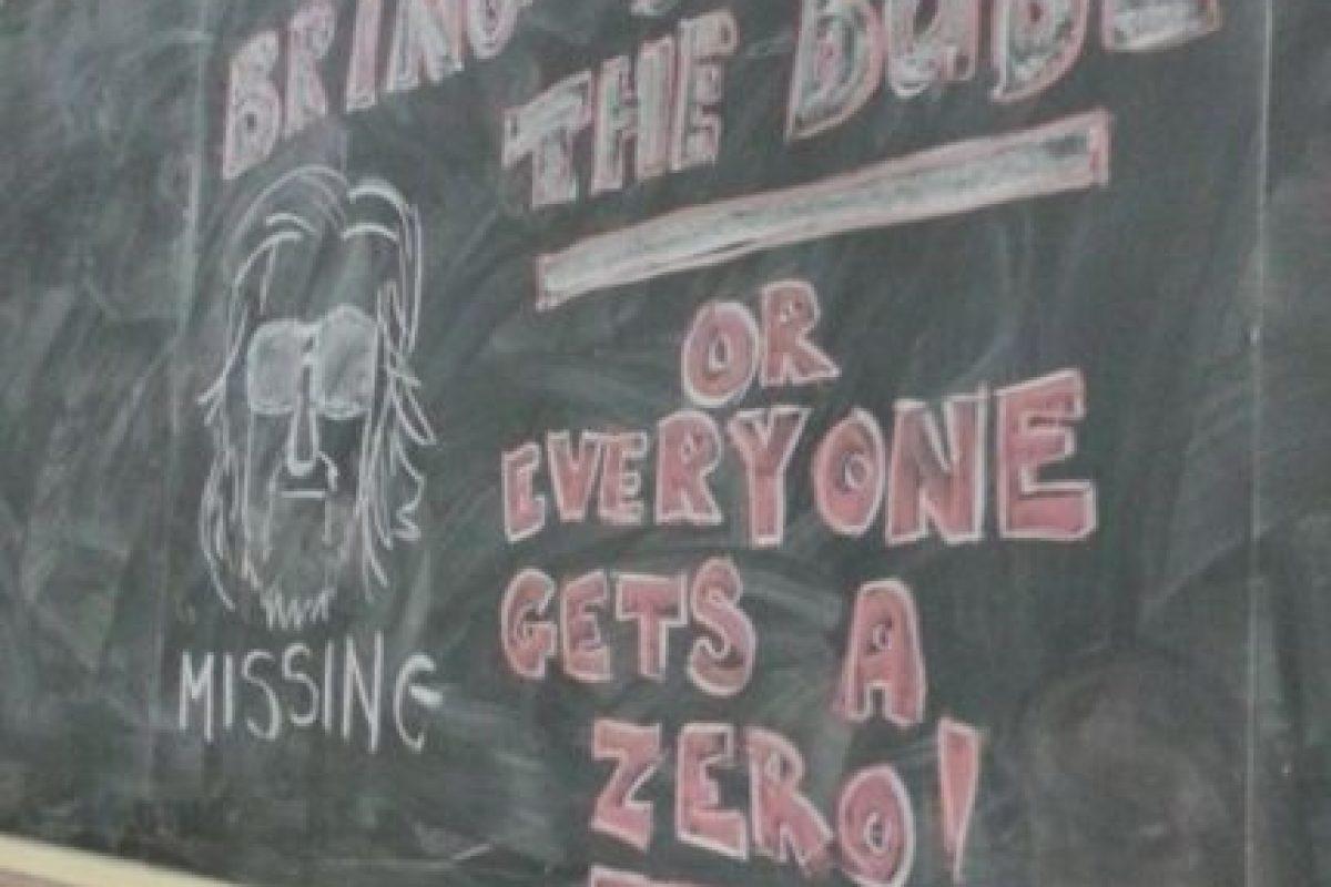 """""""Traigan a su compañero o todos tienen un cero"""". Mejor advertencia no puede existir. Foto:vía Imgur. Imagen Por:"""