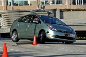 Este coche es capaz de conducir autónomamente por ciudad y por carretera, detectando otros vehículos, señales de tráfico y peatones Foto:Getty Images. Imagen Por: