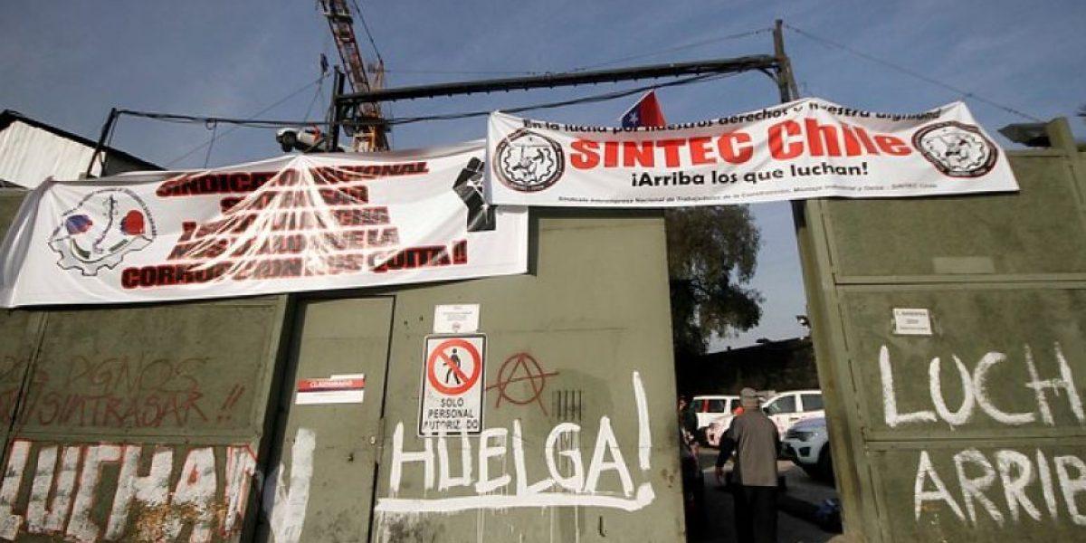 Trabajadores de construcción del Metro inician huelga de hambre