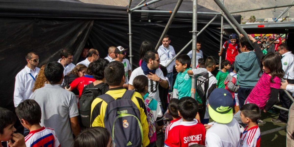 Tocopilla enloqueció con Alexis Sánchez lanzando un torneo de fútbol