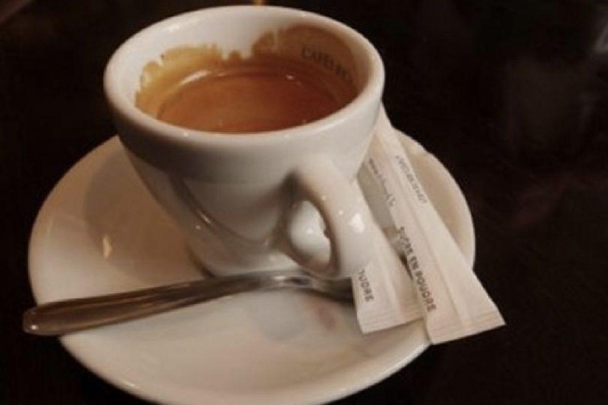 En 2005, Jackie Clarke invitó a un hombre a su casa. Luego le dio una sustancia sedativa en su café. Posteriormente, ella y su hijo lo amarraron. Foto:vía Getty Images. Imagen Por: