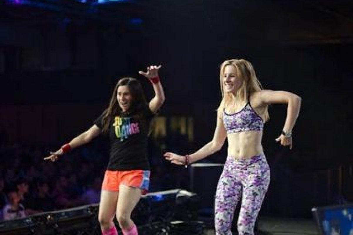 """Lo logró jugando """"Just Dance"""" por 49 horas tres minutos y 22 segundos Foto:facebook.com/pages/Carrie-Swidecki/. Imagen Por:"""