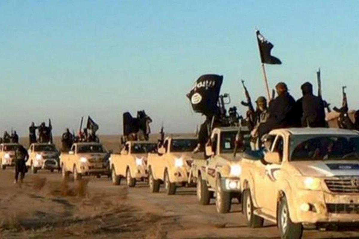 Y más de 70 automóviles fueron calcinados Foto:Getty Images. Imagen Por: