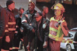 El accidente ocurrió en horas pico, en la ciudad sudafricana, Johannesburgo. Foto:AP. Imagen Por: