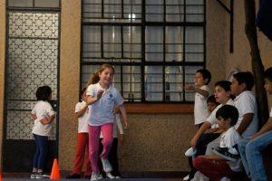 1.- Son hiperactivos, pero esto disminuye al presentarse una tarea demandante o de interés para el niño. Foto:vía facebook.com/Centro-de-Atención-al-Talento. Imagen Por: