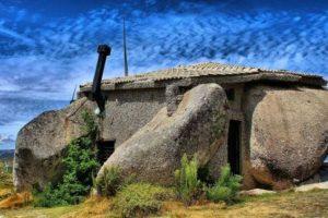 6. La casa de piedra, Guimarães, Portugal. Foto:Foto reproducida. Imagen Por: