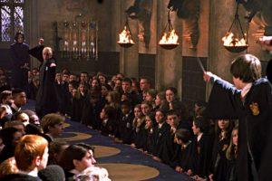 Harry hizo bien al tirar la Varita de Sauco, la más poderosa del mundo Foto:vía facebook.com/HarryPotterUK. Imagen Por: