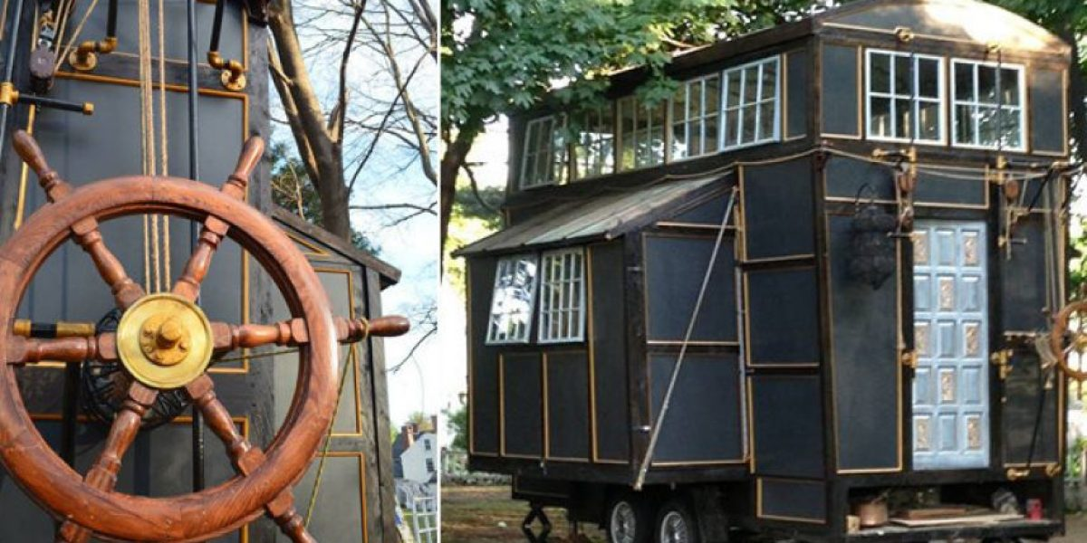 Una pareja construye una casa con materiales de escenarios cinematográficos