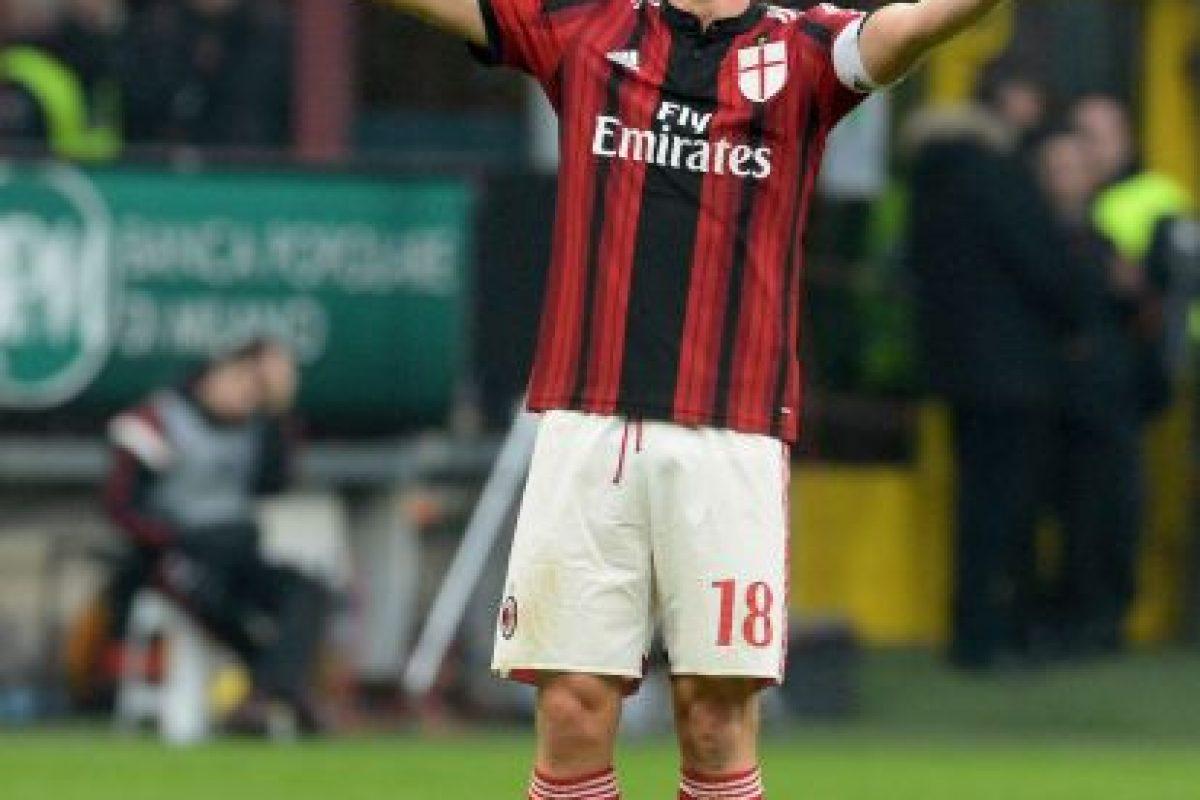 Ricardo Montolivo se embolsa 3.79 millones en el Milán Foto:Getty Images. Imagen Por:
