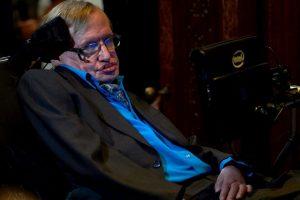 El físico Stephen Hawking también formará parte de este proyecto. Foto:AFP. Imagen Por: