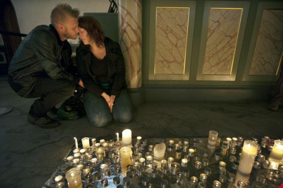 Hubo 77 muertos en total. Ocho en Oslo y 69 en Utoya. Foto:Getty Images. Imagen Por: