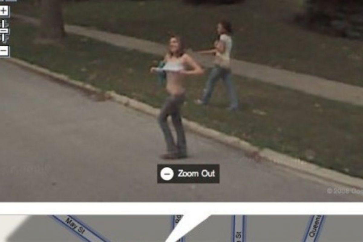 O prostituyéndose. Foto:vía Google Street View. Imagen Por: