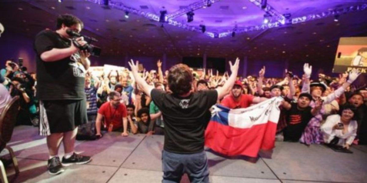 Dos chilenos se coronan campeones mundiales en torneo de juegos de pelea