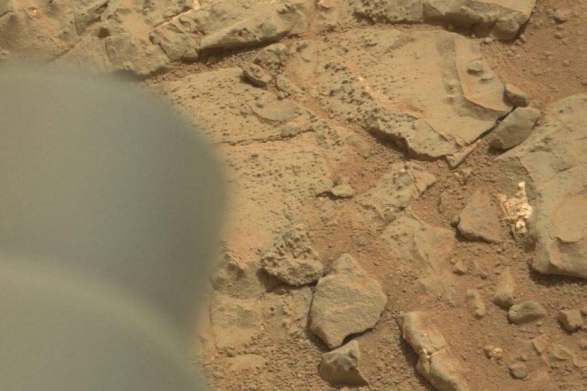 Esta es la imagen difundida por la NASA Foto:Foto original en http://mars.jpl.nasa.gov/msl-raw-images/msss/00153/mcam/0153MR0008470180201260E01_DXXX.jpg. Imagen Por:
