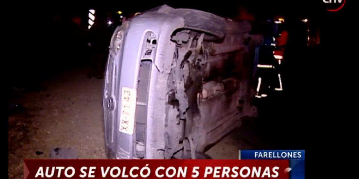 Vehículo sufrió corte de frenos y terminó volcado en Farellones