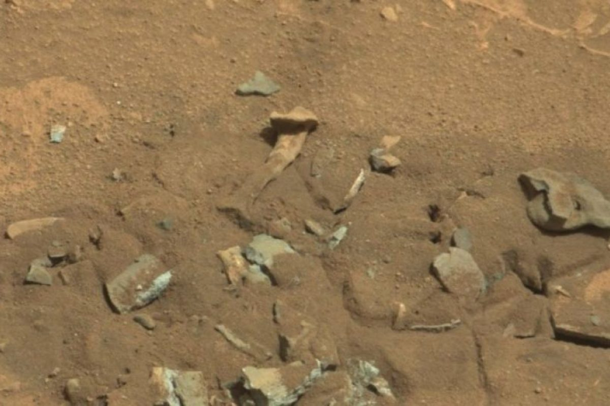 Se descubrió en agosto de 2014 Foto: NASA. Foto original en http://mars.jpl.nasa.gov/msl-raw-images/msss/00719/mcam/0719MR0030550060402769E01_DXXX.jpg. Imagen Por:
