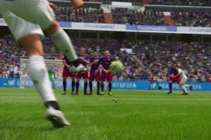 Tiro libre de Cristiano Ronaldo en el FIFA 16. Foto:EA Sports. Imagen Por: