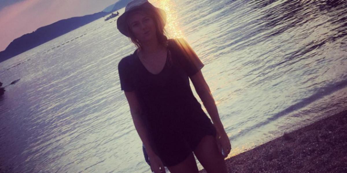 Serena Williams vs. Maria Sharapova: duelo de bikinis en la playa