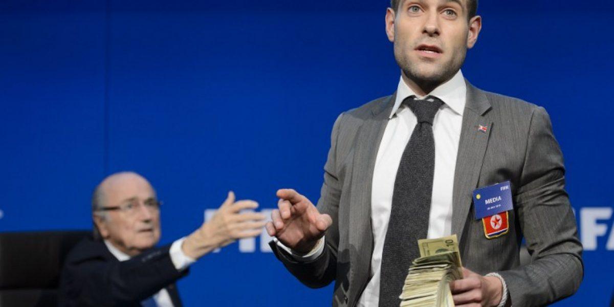 FIFA se querelló contra humorista británico por